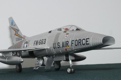 Trumpeters's 1/32 F-100 Super Sabre